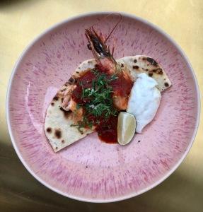 JOSEPH AMO BERLIN GERICHT Seafood Musakhan ©Oliver Numrich
